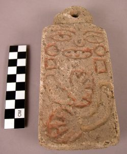 Incised stone tablet (modern forgery). (c) President and Fellows of Harvard College, Peabody Museum of Archaeology and Ethnology, PM# 28-1-20/C10585.2 (digital file # 45090035).